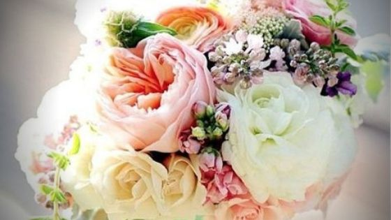 Easter floral arrangements signal that spring is here! These are our favorite arrangements that give you inspiration this Easter.